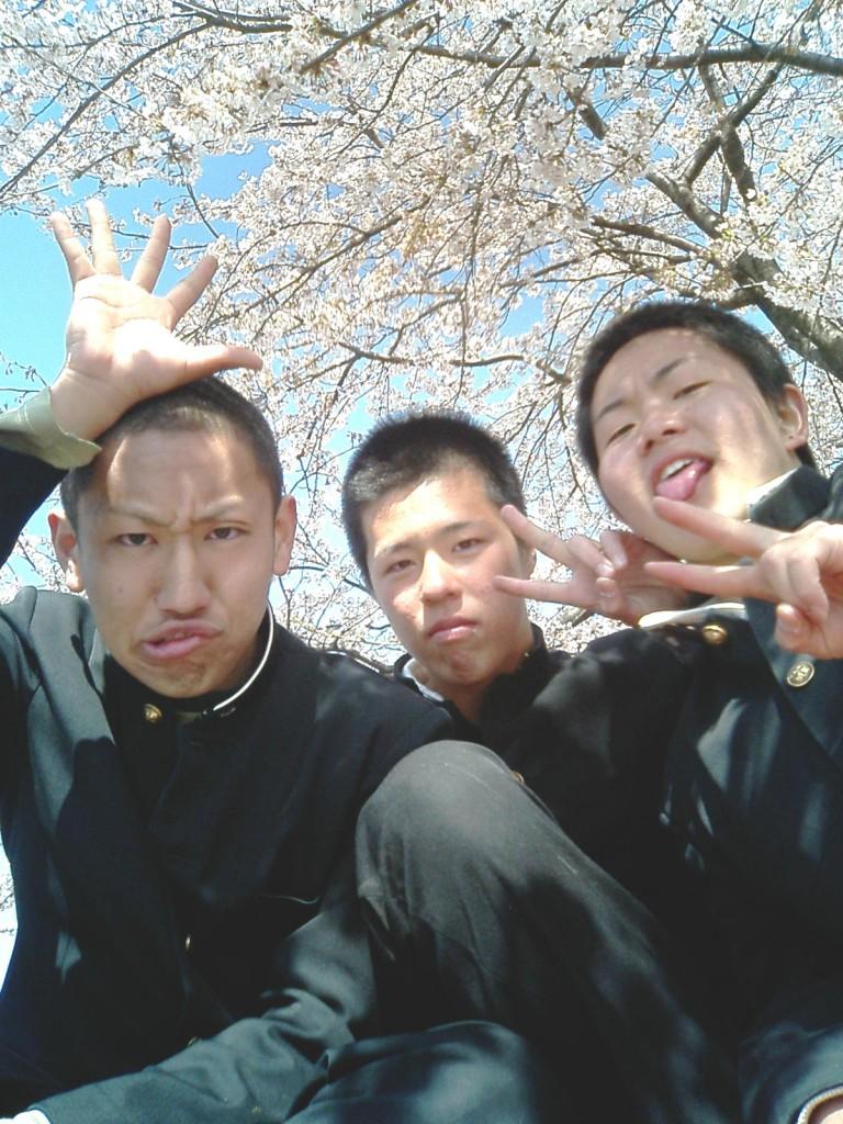 錦丘高校のお尻3人!?笑