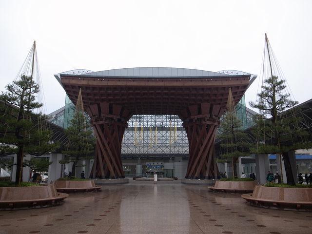 金沢駅の正面